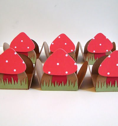 Dicas de decoração – Forminhas decoradas para docinhos de festa.