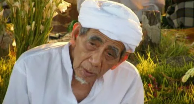 KH Maimoen Zubair: Tolonglah Semut yang Jatuh di Air, Barangkali jadi Sebab Ampunan Bagimu di Akhirat