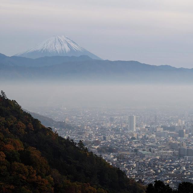 和田峠 みはらし広場 富士山 甲府市街