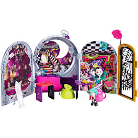EAH Wonderland Playset Dolls