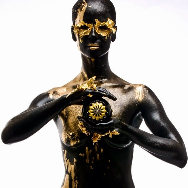 05-Black-&-Gold-Body-Nix-Herrera-From-Face-Off-to-Intricate-Body-Painting-www-designstack-co