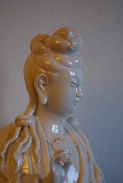 Guan Yin en porcelaine