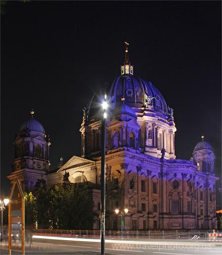 Берлин ночью собор