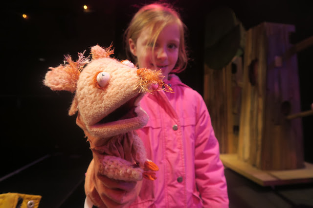 Lily and one of the mice Puppet Panto The Berry Theatre