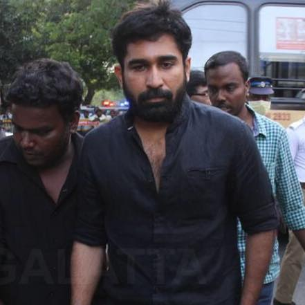 Vijay Antony wife, family, biodata, biography, date of birth, wiki, religion, fathima, tamil new movie, songs, movie list, actor telugu movies, family photos, music director, pichaikaran, wife photos, latest upcoming movies, film list, first movie, new next movie, images, full movies