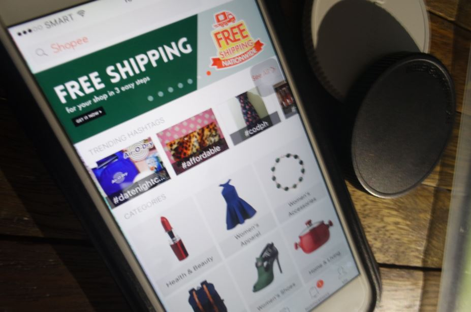 Mobile marketplace Shopee rings in the Fire Rooster with good fortune