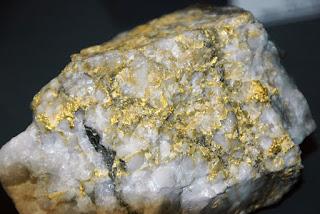 ouro em quartzo hidrotermal