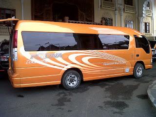 Sewa Mobil Isuzu Elf Padang