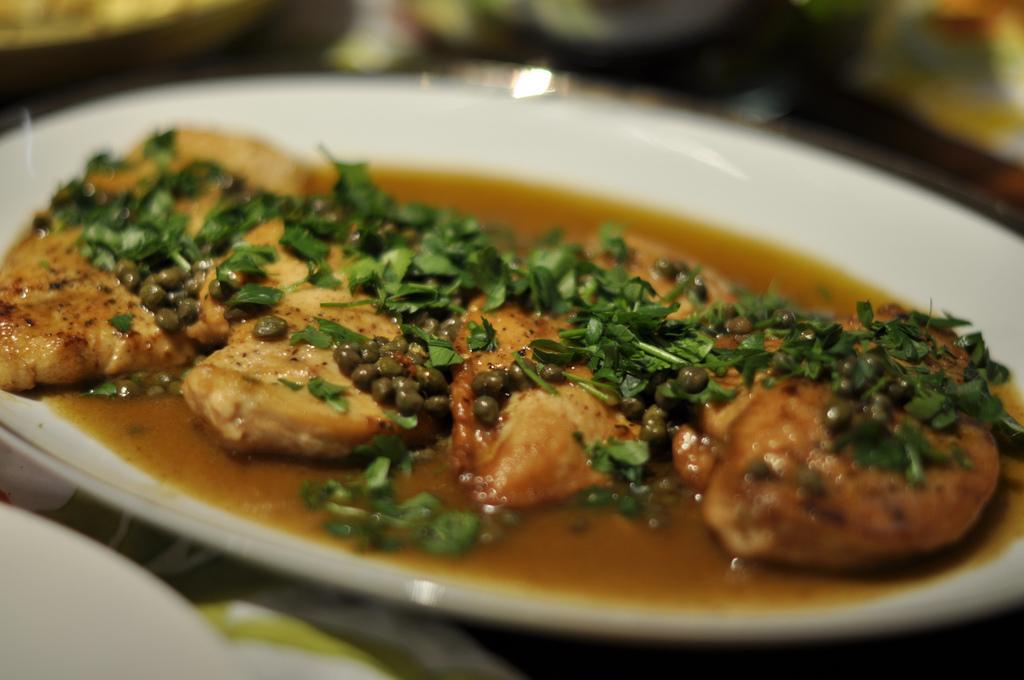 طريقة عمل دجاج بيكاتا بصوص المشروم
