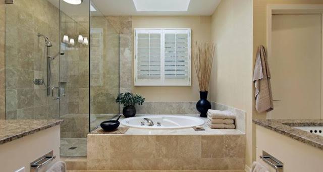 Mẫu phòng tắm đẹp với bồn tắm là trung tâm