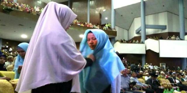 Keberanian Gadis SMA dan Jilbab dari Sang Rektor