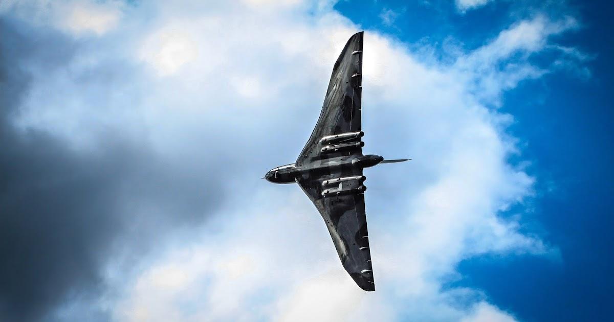 Avro vulcan bomber aircraft wallpaper hd wallpapers aircraft wallpaper galleries - Vulcan wallpaper ...