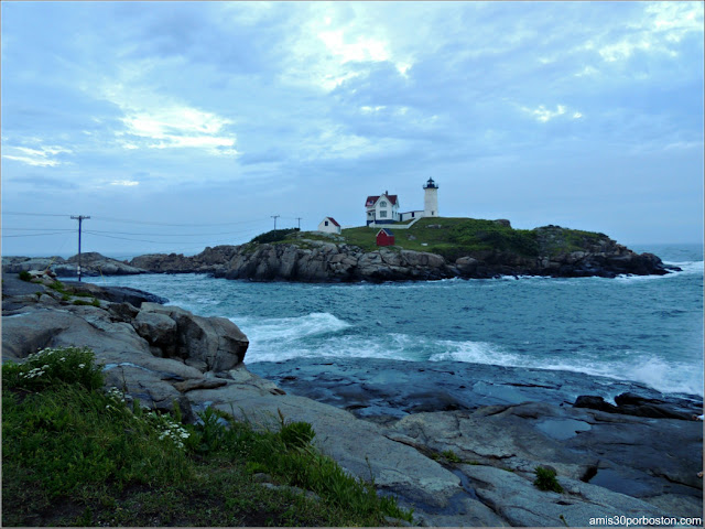 Cape Neddick: Nubble Lighthouse