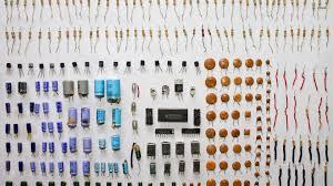 الأجهزة ومكونات القطع الإلكترونية من الصين