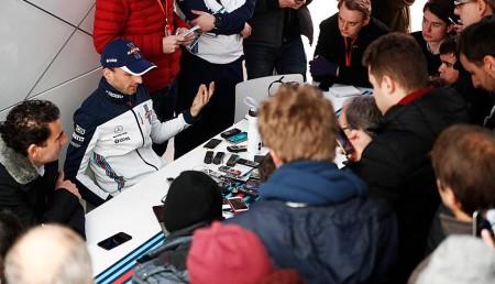 Robert Kubica i dziennikarze Williams test Barcelona