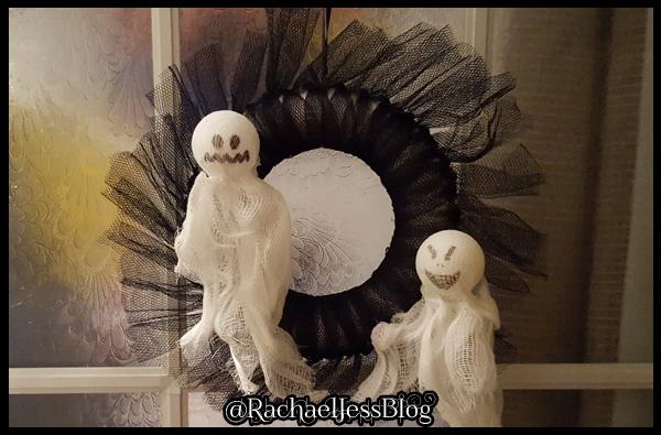 Ghost Halloween Wreath
