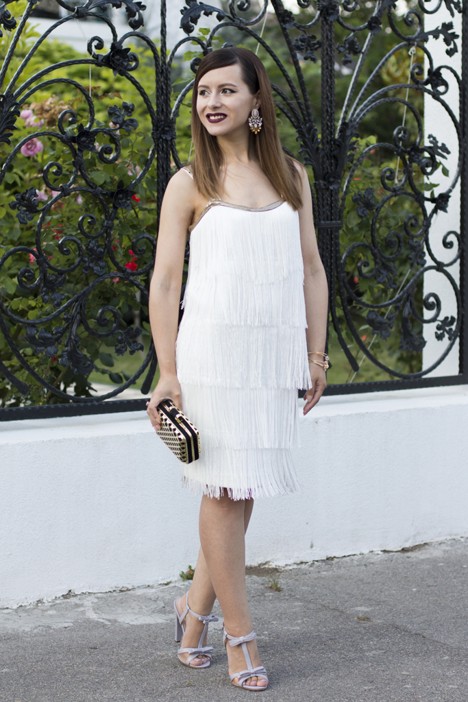 how to wear the white fringed dress