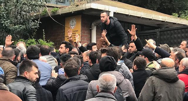 Πυροβολισμοί και ξύλο σε εκλογικό κέντρο στην Κωνσταντινούπολη