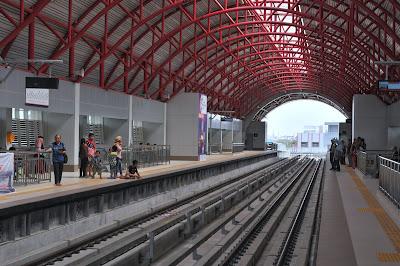 stasiun LRT pasar 16