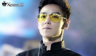 Foto Ganteng T.O.P memakai Kacamata