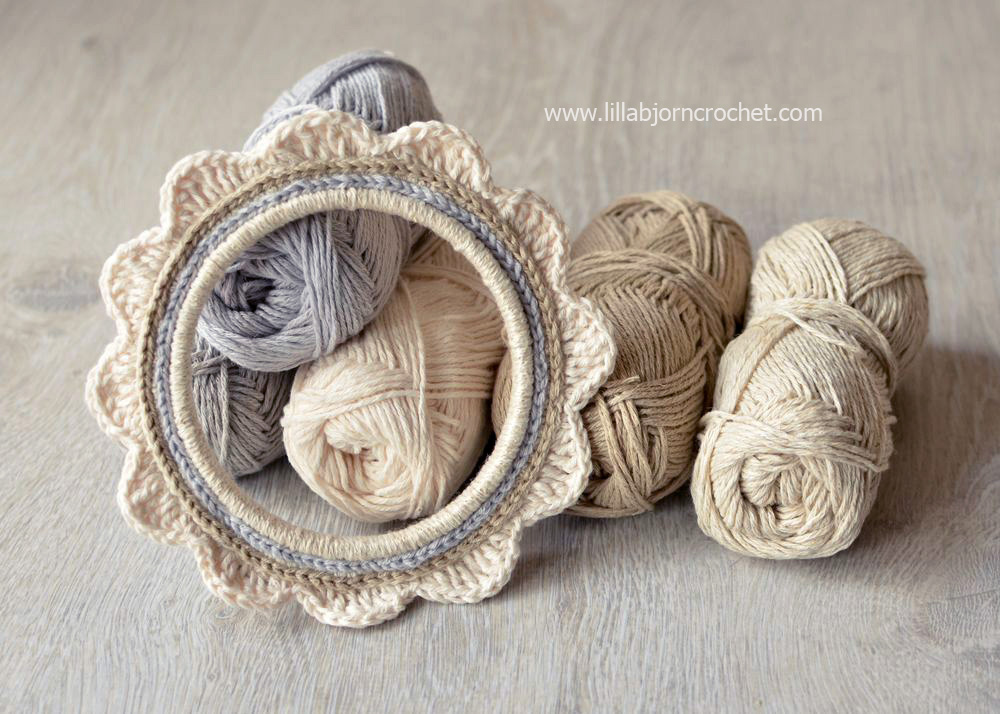 How to crochet around embroidery hoop - photo tutorial by Lilla Bjorn Crochet