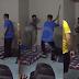 (Video) Bermain Selepas Habis Kerja, Pekerja Asing Dipukul Bertubi-tubi