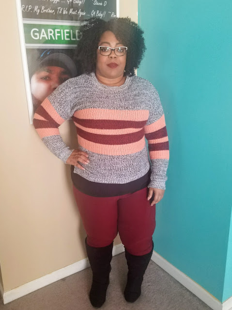 blogger, fashionista, curvy, thick thighs, edgy look, natural hair, black and white glasses