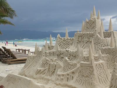 philippines_boracay_sand_castle2