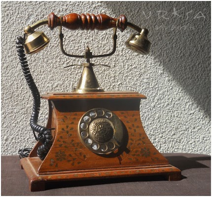 Vrksa Arts Amp Crafts Wooden Antique Style Telephone