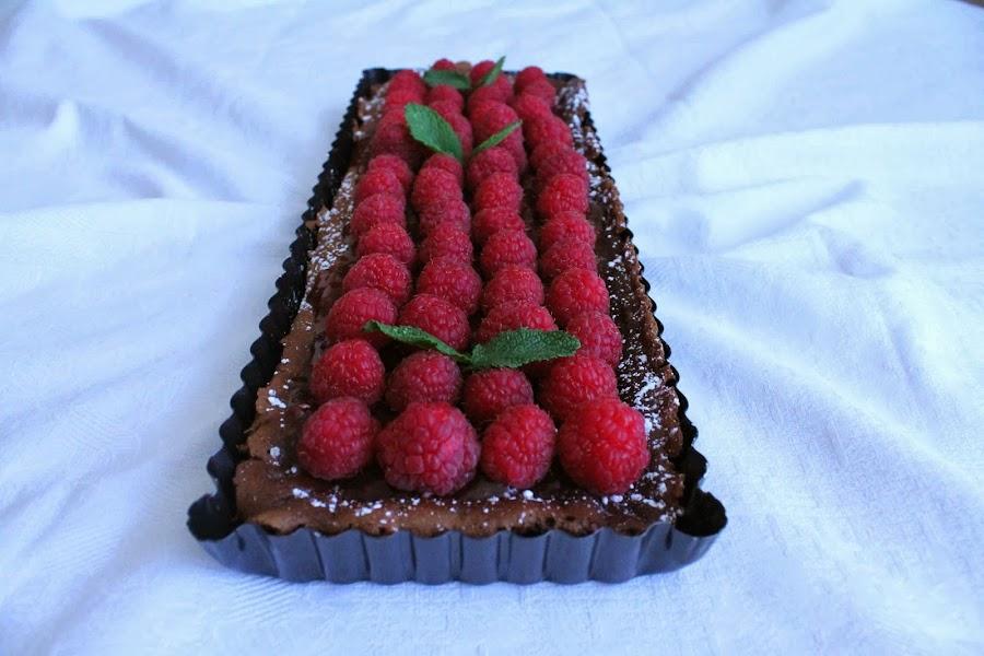 Bizcocho de chocolate con frambuesas