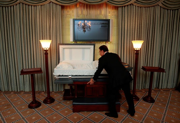 Funny funeral home joke picture