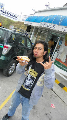 Musico Comiendo salchichas Hot Dog