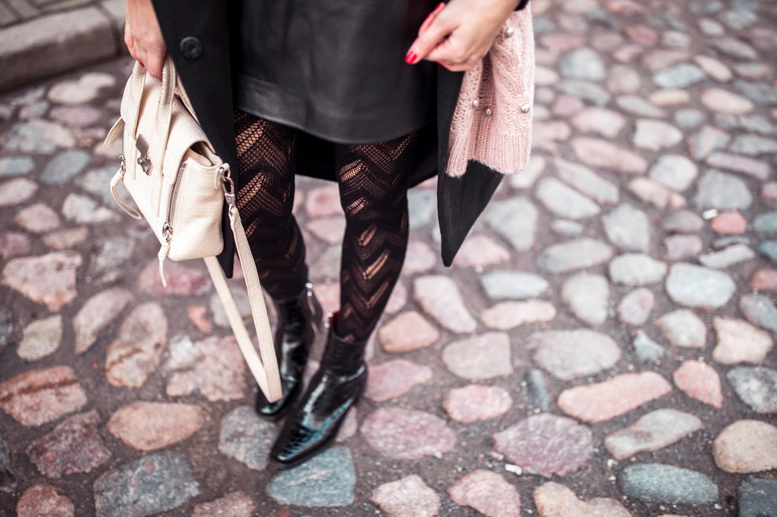black patterned tights outfit fall