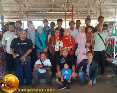 FOTO bareng Reuni SMPN1 Pagaden Baru ( 2015 )