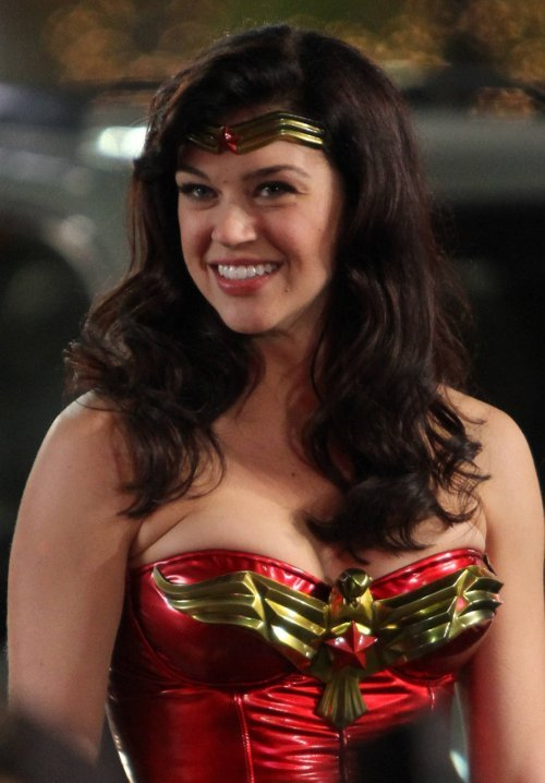"NBC Bosses Don't Like The 2011 ""Wonder Woman"" Pilot?"