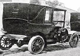 Modelo de principios del siglo XIX, cuyo aspecto recuerda a las antiguos carruajes.