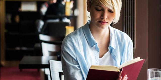 """El secreto de los libros de autoayuda es mentirte para que seas """"feliz"""""""
