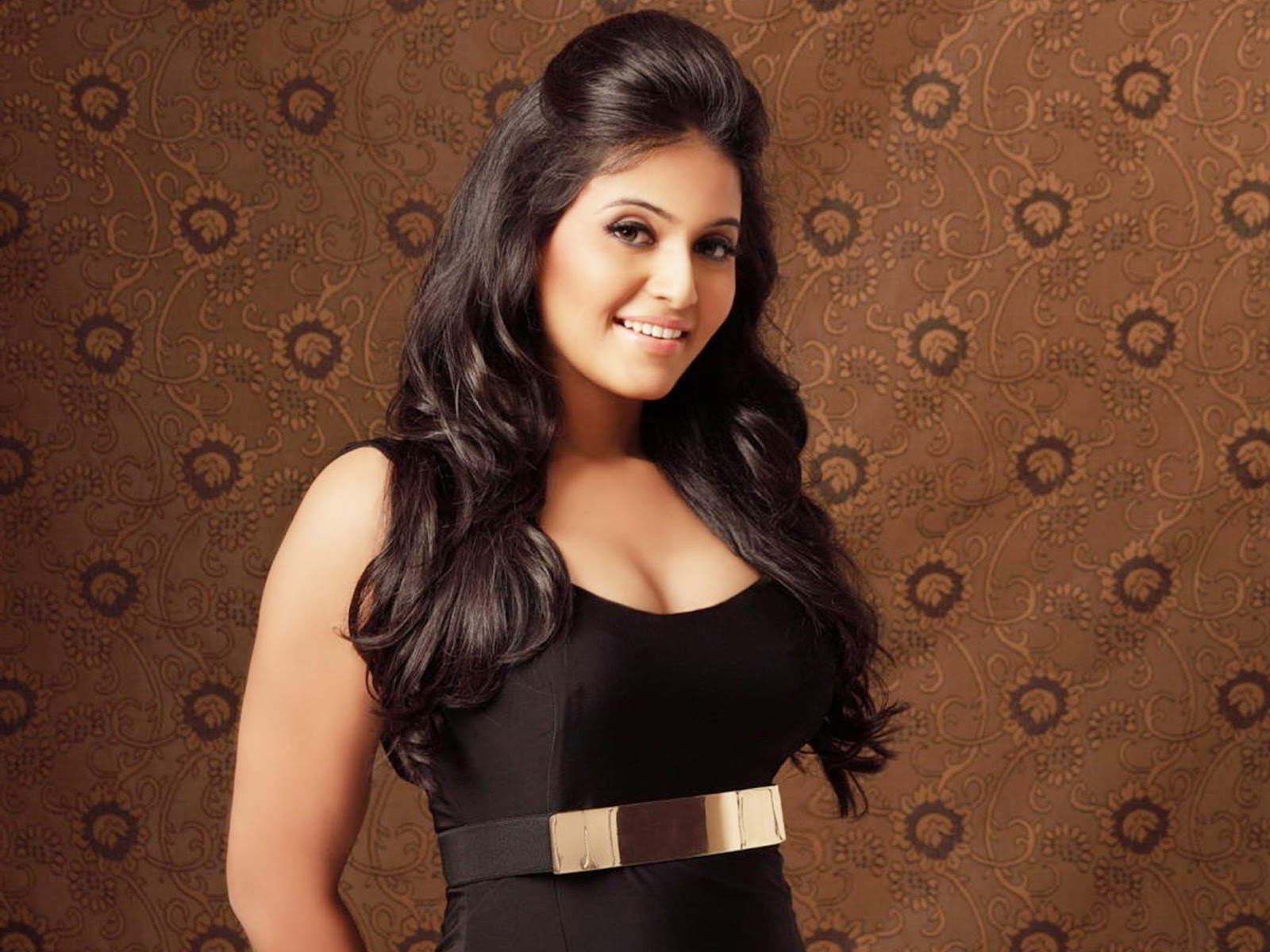 Actress Anjali Hottest Pics Collection Cleavage, Navel -9355