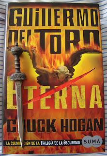 Portada del libro Eterna, de Guillermo del Toro y Chuck Hogan