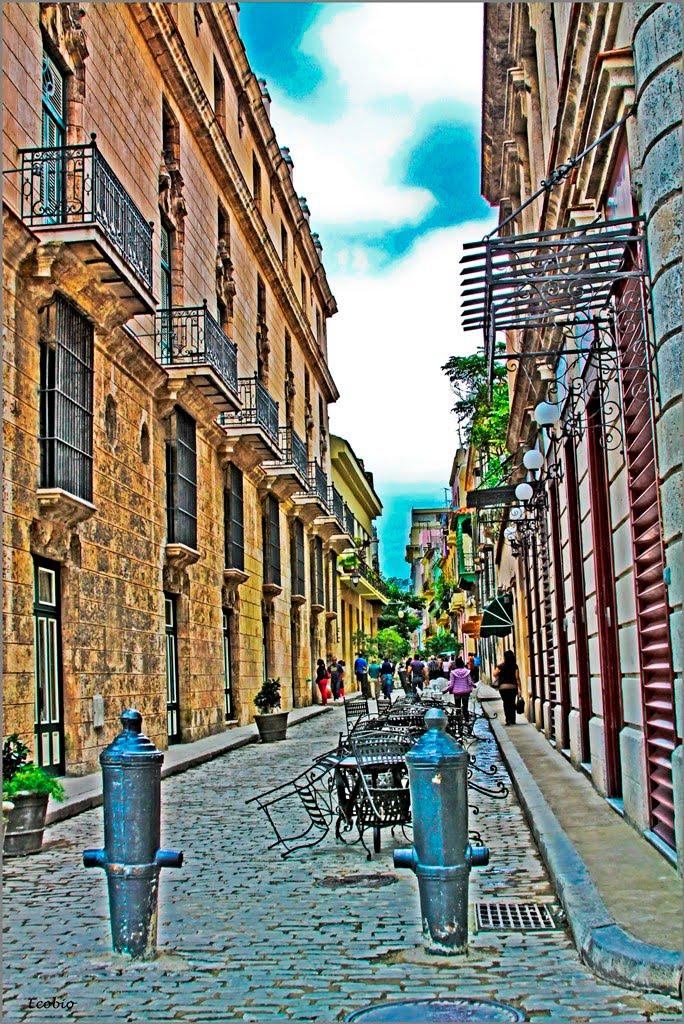 Calle Lamparilla, en la parte vieja de La Habana