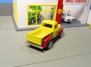 GreenLight Shell 1956 Ford F-100 pickup