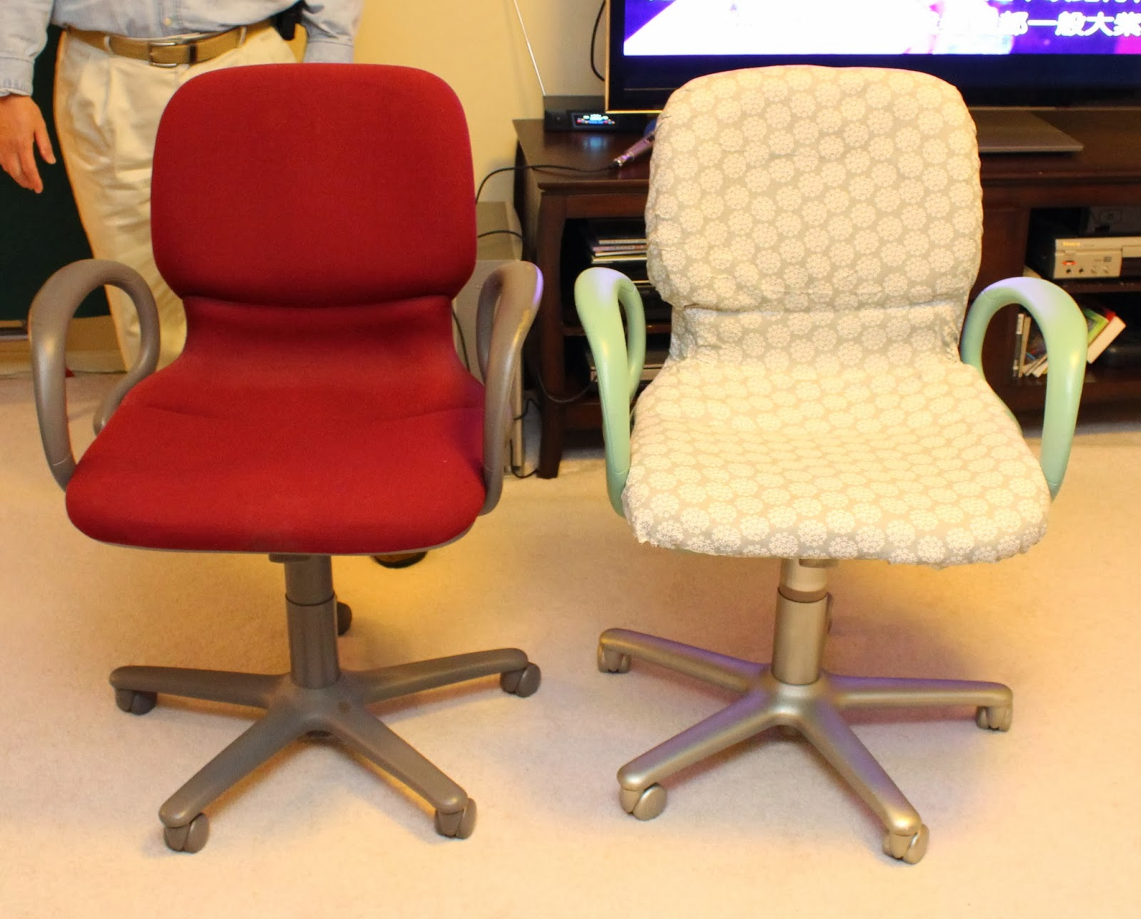 Reupholster Office Chair From Woo To You Diy Reupholstered Office Chair