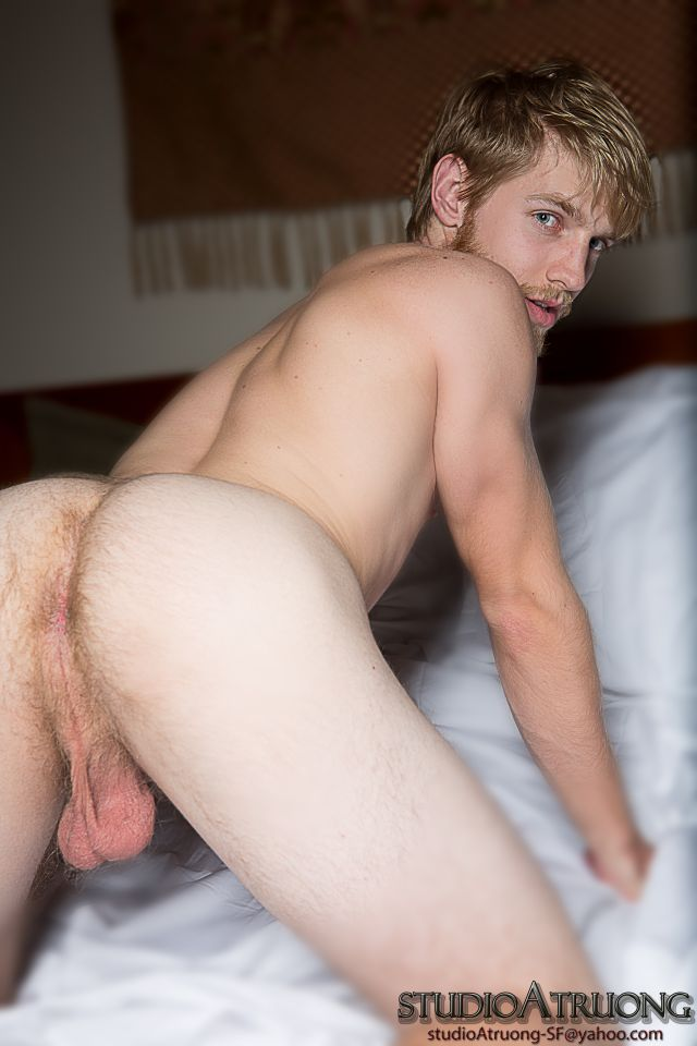 Zach connors spreads his ass for tyler jenkinss big cum gun