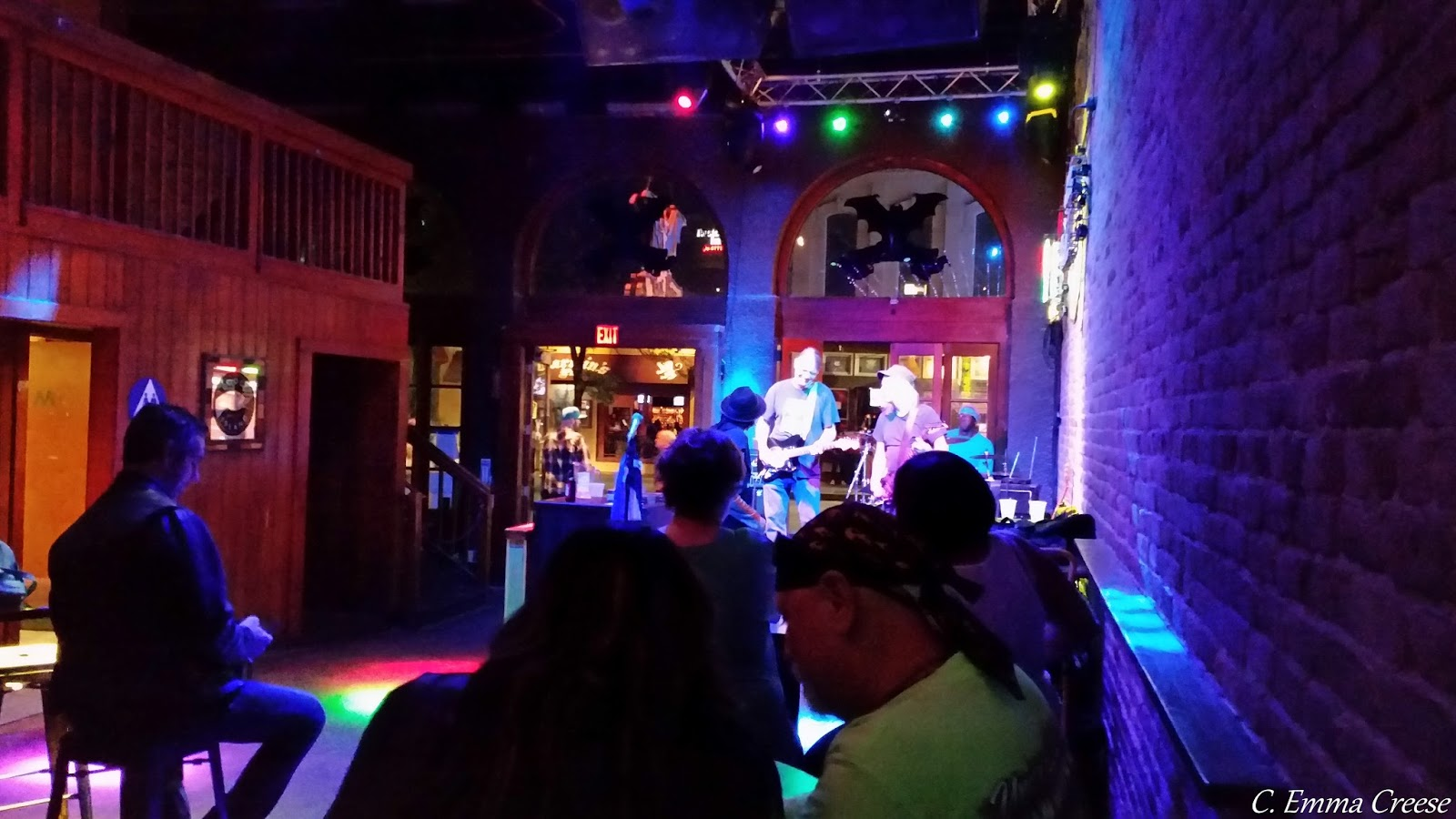 6th Street bar hopping - 9 of our favourite things to do in Austin, Texas Adventures of a London Kiwi