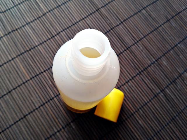 Barwa - Woda brzozowa - Preparat do włosów z łupieżem, otwarcie opakowania