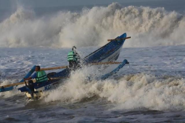 Boat Nelayan Panga Dihantam Gelombang, Muliadi Belum Ditemukan