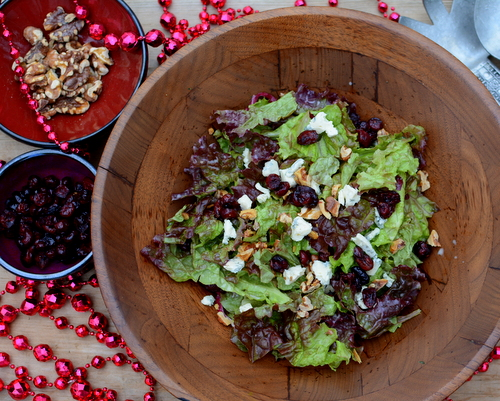 Festive Holiday Salad, another easy, seasonal salad ♥ AVeggieVenture.com