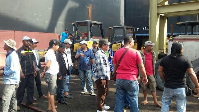 IMG 20180202 WA0032 - Akibat Upah Yang Belum Dibayar. Buruh Menahan Kapal Muatan Batu Bara