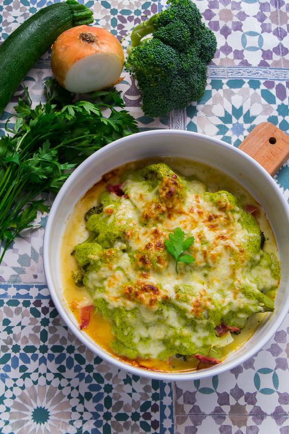 Brócoli con jamón, gratinado con bechamel de calabacín #light #singluten #sinlactosa