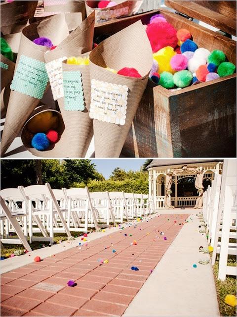 ideias-diferentes-do-tradicional-para-a-saida-dos-noivos-da-cerimonia-pompons